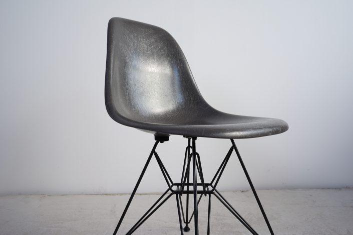 Vitra Fiberglass Sidechair DSR