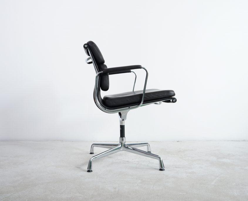 Vitra EA207 Soft Pad Alu Chair b